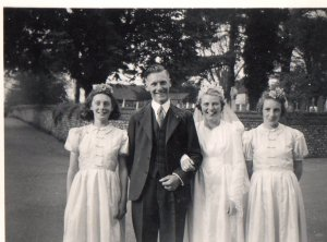 Vera & Len Smith with bridemaids