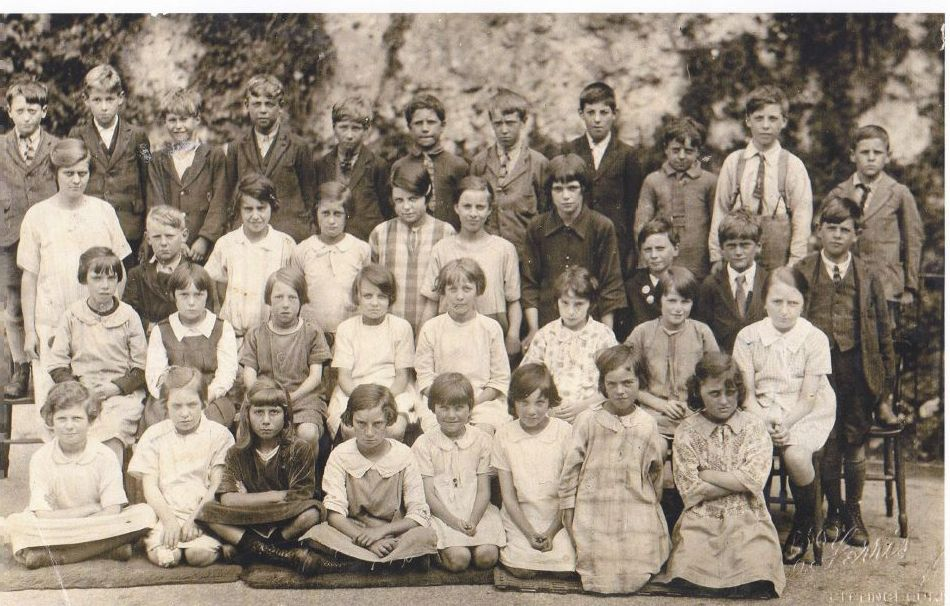 Borden School 1928. Photograph shows Marjorie Sherlock bottom right